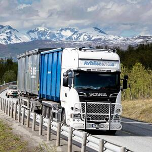 Scania bil 3 containere