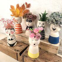 Vaser m blomst