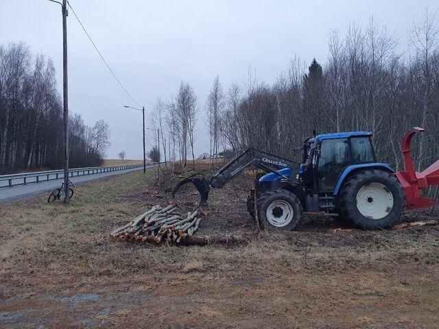 Vegetasjonsrydding langs fylkesvegen for å forebygge viltpåkjørsler