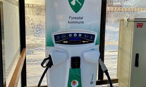 Ladestasjon for el-bil på Molandsmoen