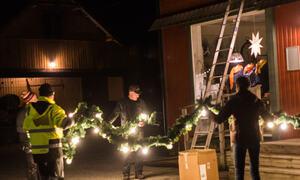 Førebuing til julegateopning i Folkestadbyen