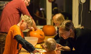 Halloween med Liv, Oddbjørn, Greger, Irma og Torben