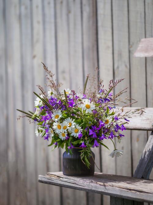 Blomsterbukett i vase