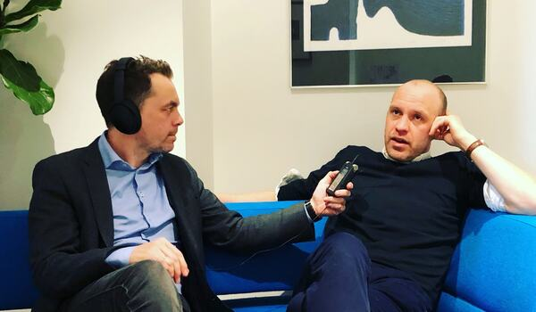 Arkitekturskribent Gaute Brochmann intervjuet av kultursjef Olav Brostrup Müller