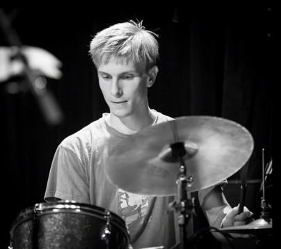 Hans_Hulbækmo_Oslo_Jazzfestival__201840__-_Hans_Hulbækmo_-_Wikipedia