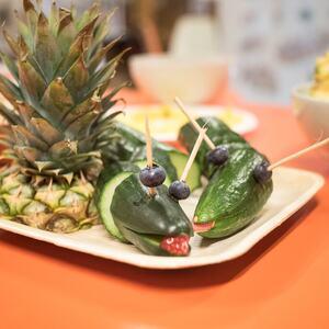 Bilde av grønnsaker utformet som 2 slanger