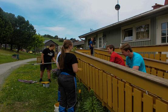 Bildet avbilder ungdom med sommerjobb i Skaun kommune sommeren 2020.