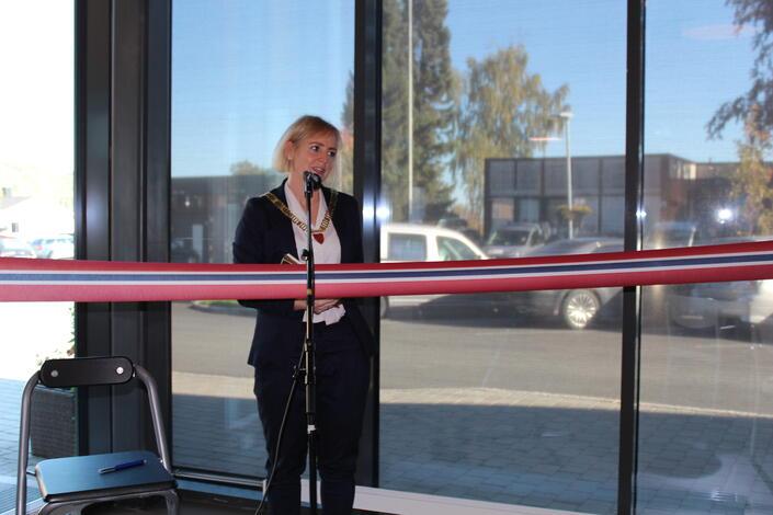 Ordfører Ida Stuberg takker alle deltakende